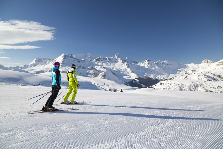 sciatori-coppia©Arabba-Fodom-Turismoklein